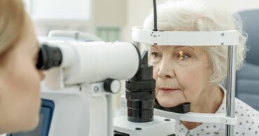 How to manage cataracts